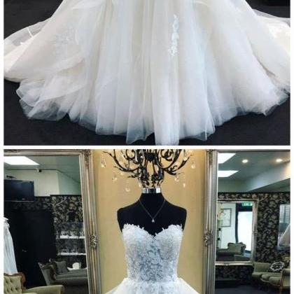 Sweetheart Neck Tulle White Wedding..