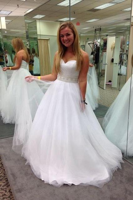 Wedding Dresses Sweetheart Sleeveless Zipper Sweep Train Tulle and Organza Sashes White A-Line Bridal Dresses F056