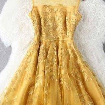 A Line Gold Yellow Short Homecoming Dress, Elegant Appliques Prom Dresses